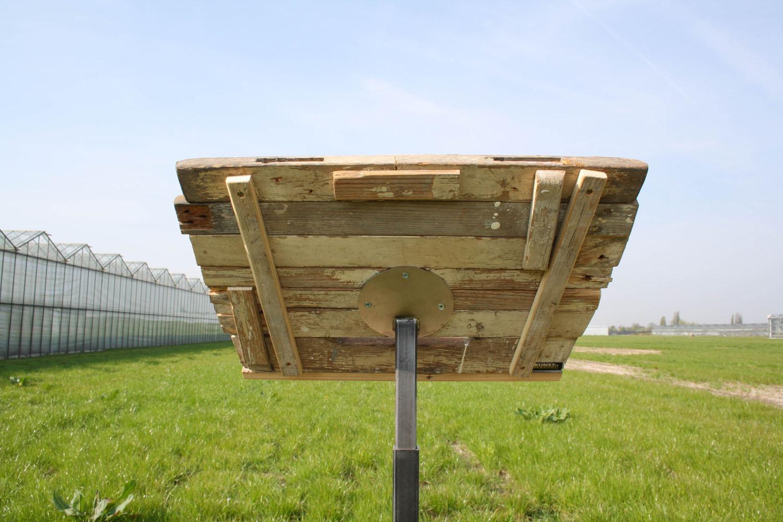 Katheder van sloophout met RVS, Gemeente Rotterdam