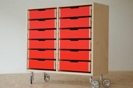 ladekastje, nieuw, rode ladefronten, houten ladegeleiders