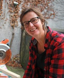 KunstenMakerij is van vormgever en meubelmaker Helma van 't Land,