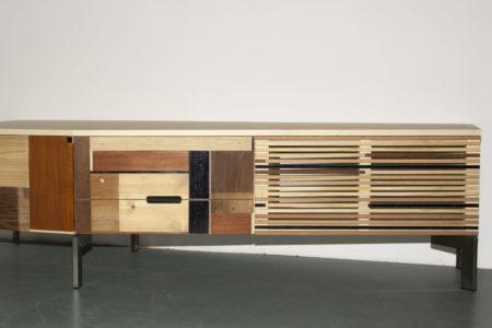 Op maat gemaakt, uniek, tv en audiomeubel, berkenmultiplex met massief hout, sloophout rvs poten